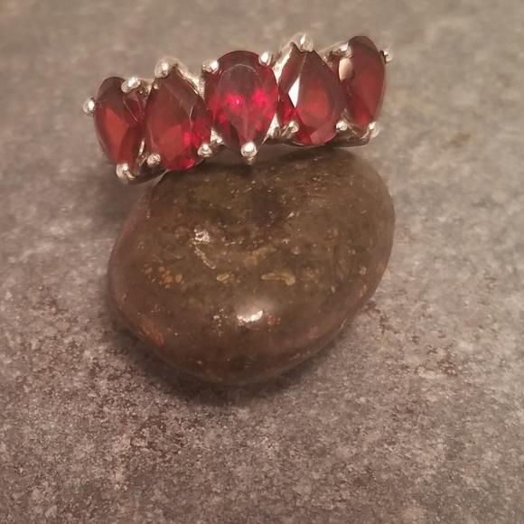 Jewelry - Sterling silver garnet ring.